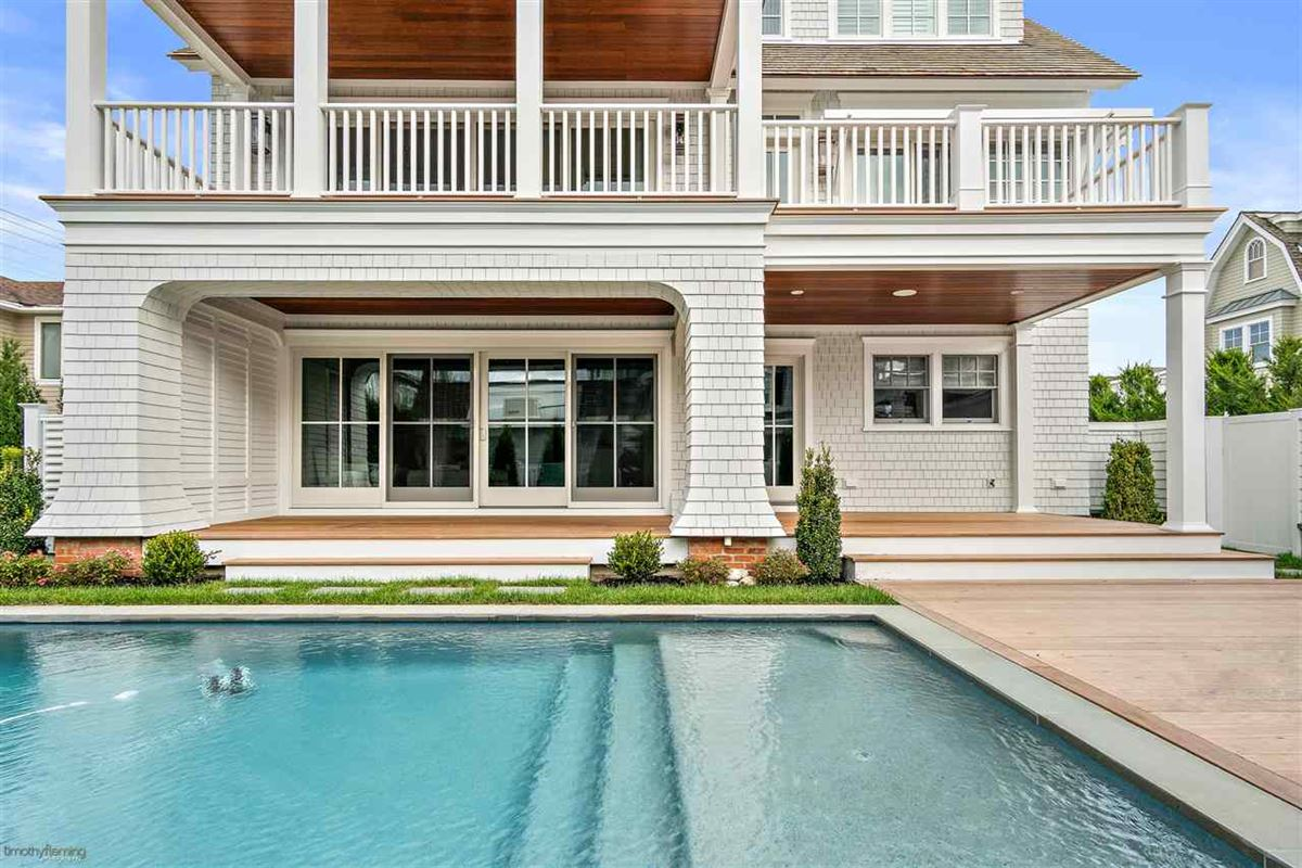The Hamptons arrive in Avalon luxury homes