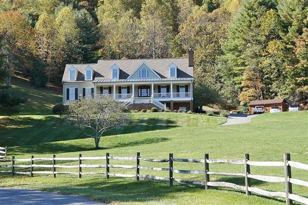 Luxury homes in lovely home on 22 rolling acres