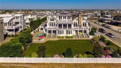 Luxury homes in classic oceanfront home of rare quality