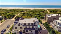 Mansions in classic oceanfront home of rare quality