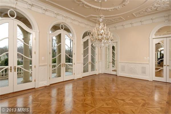 Luxury properties CHATEAU LA VIE - The crown Jewel