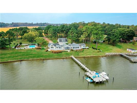 Luxury homes magnificent views of the Rappahannock River