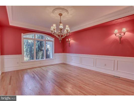 beautiful custom home full of upgrades luxury real estate
