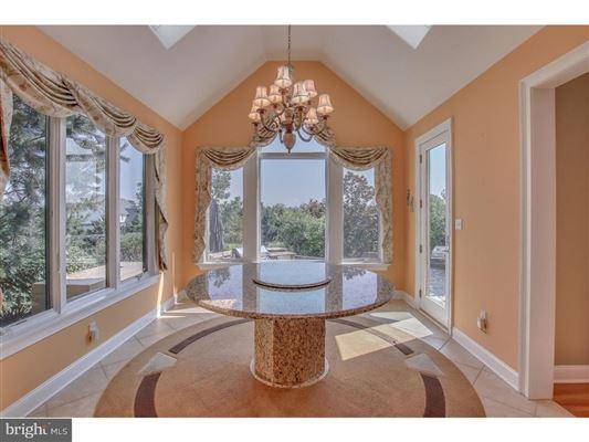 Luxury homes in beautiful custom home full of upgrades