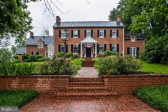 Luxury homes east oaks is a national historic property