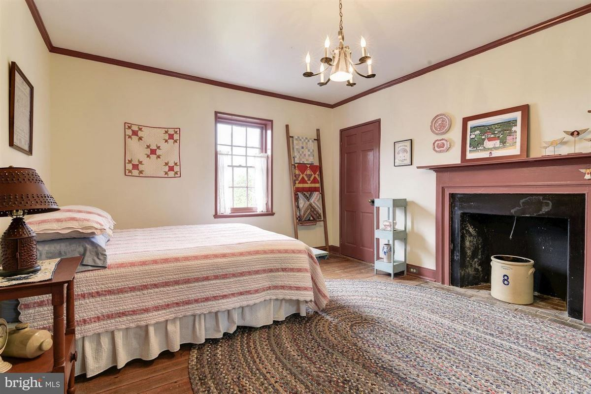 Luxury homes in east oaks is a national historic property