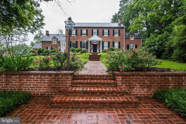 east oaks - historic Poolesville property luxury homes