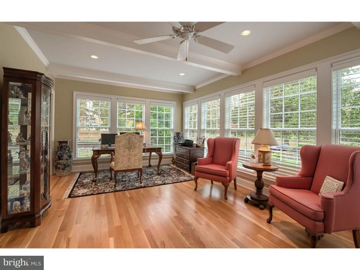 Luxury homes impeccable Colonial in premium location