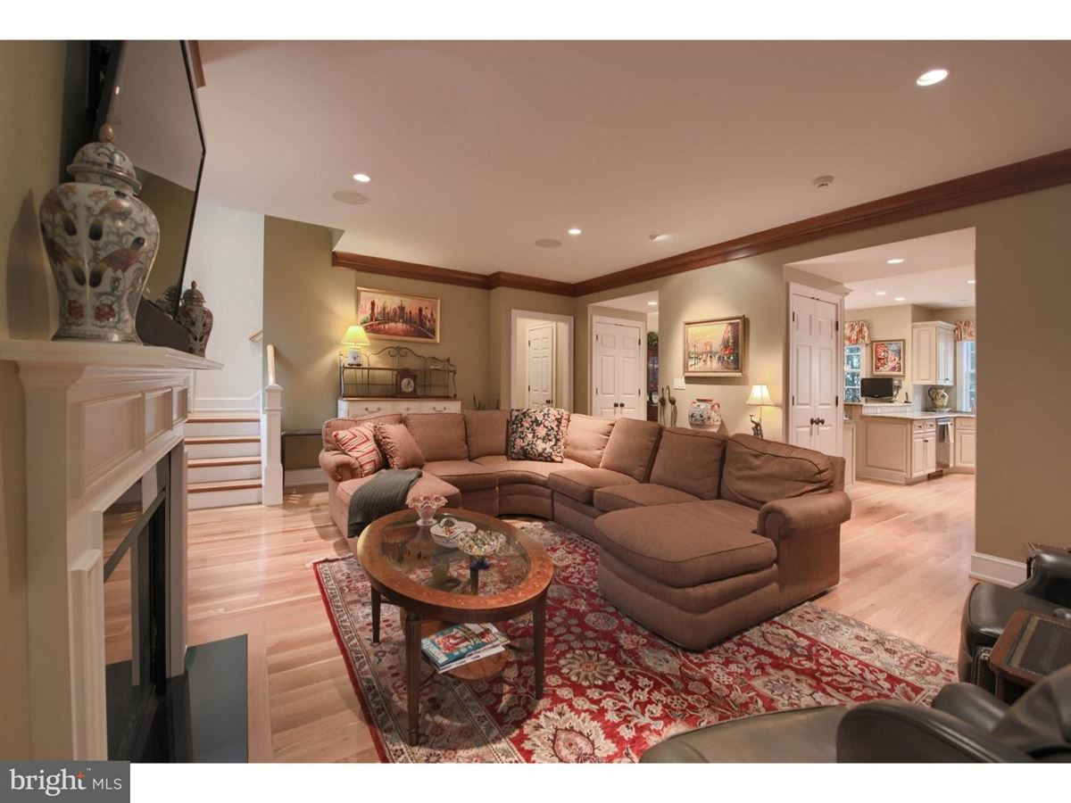 impeccable Colonial in premium location luxury homes