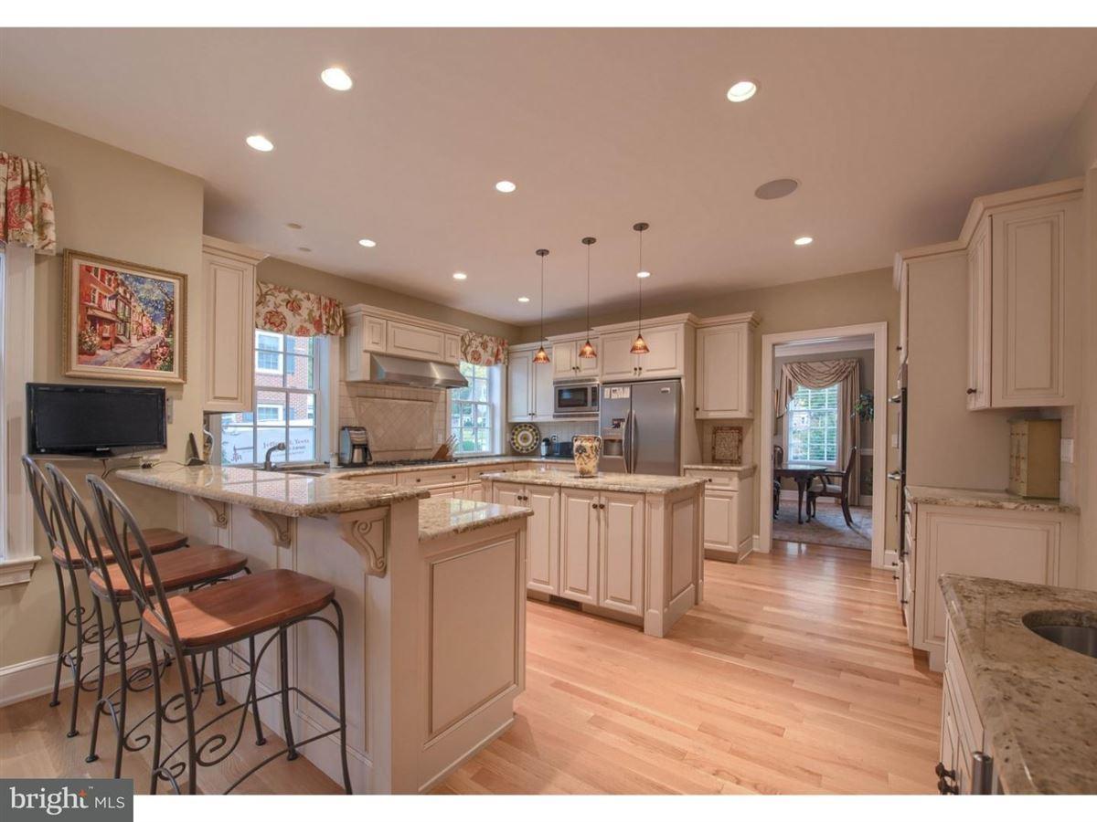 impeccable Colonial in premium location luxury properties