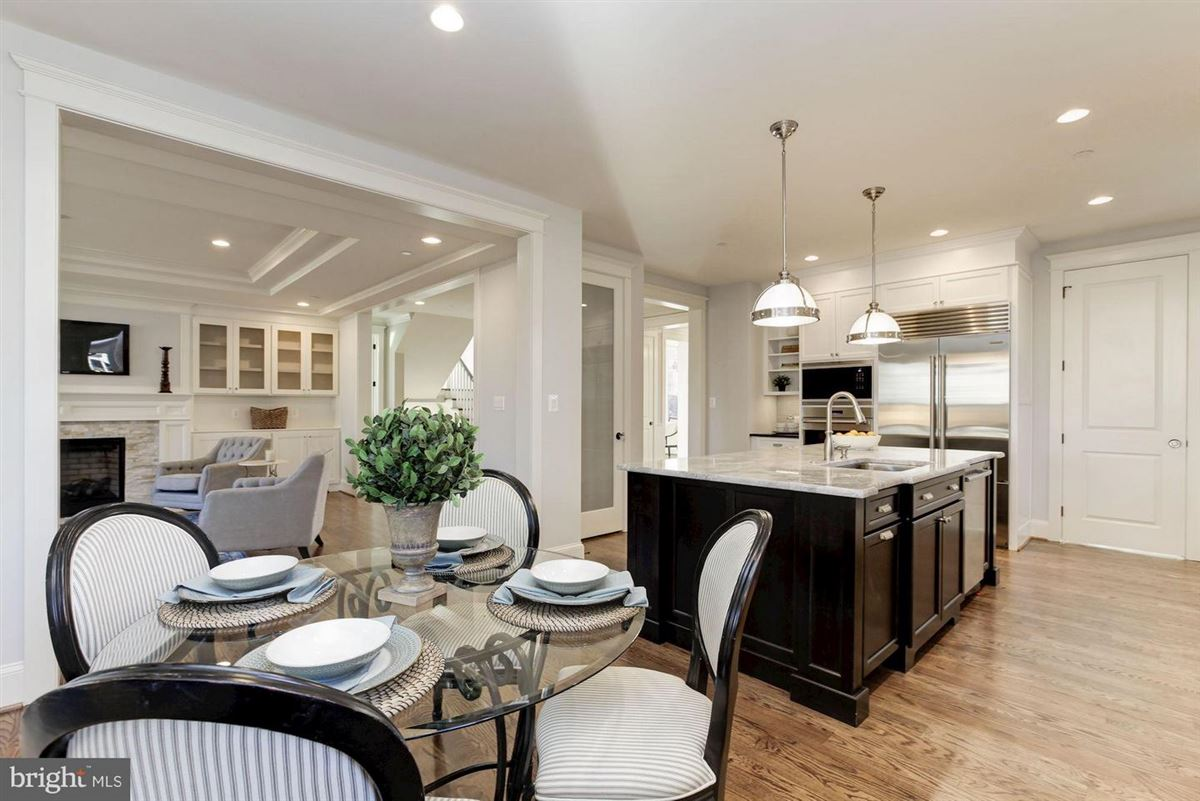 Luxury homes in new home with Superior craftsmanship at every turn