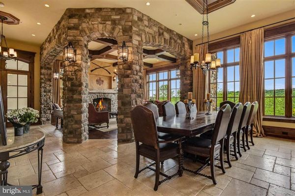 Mansions custom masterpiece with breathtaking vistas