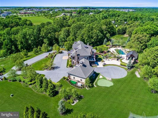 turnkey 11-acre equestrian estate luxury properties