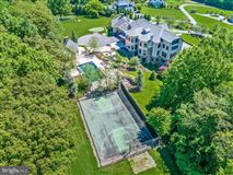 Luxury homes in turnkey 11-acre equestrian estate