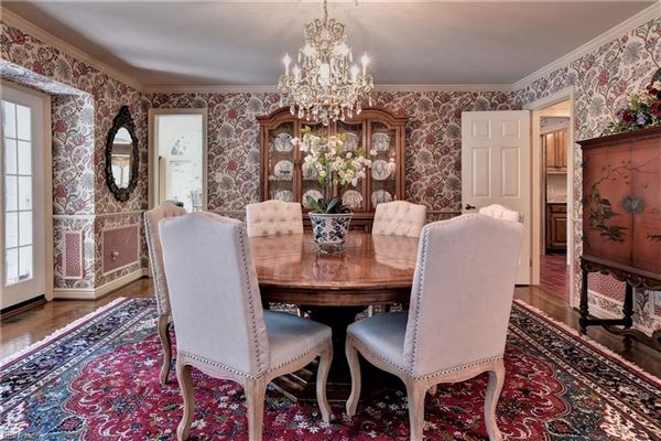 Luxury properties French country home in kingsmill
