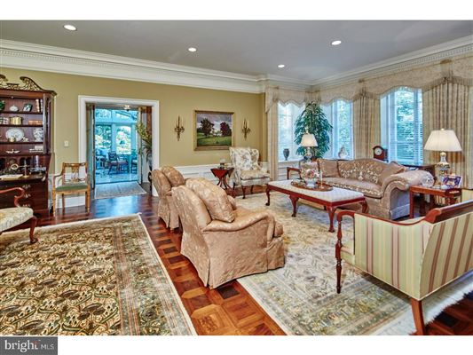 Luxury real estate magnificent estate Nestled in the hills of Chateau Country