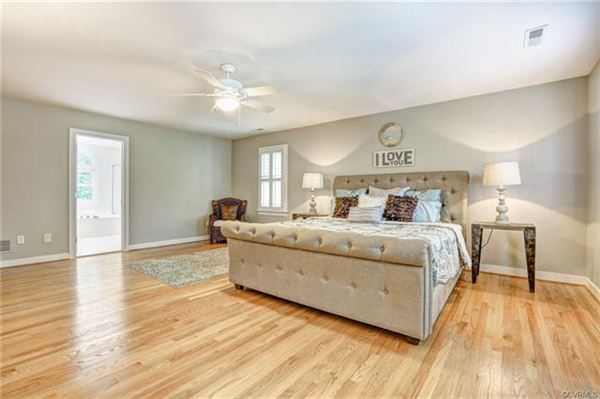 gorgeous brick home in Rivergate mansions