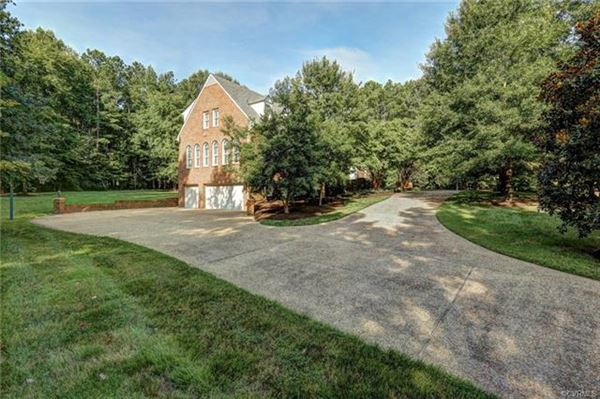 Luxury real estate gorgeous brick home in Rivergate