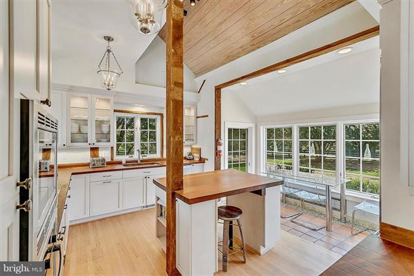 Mansions stunning post and beam home in private setting