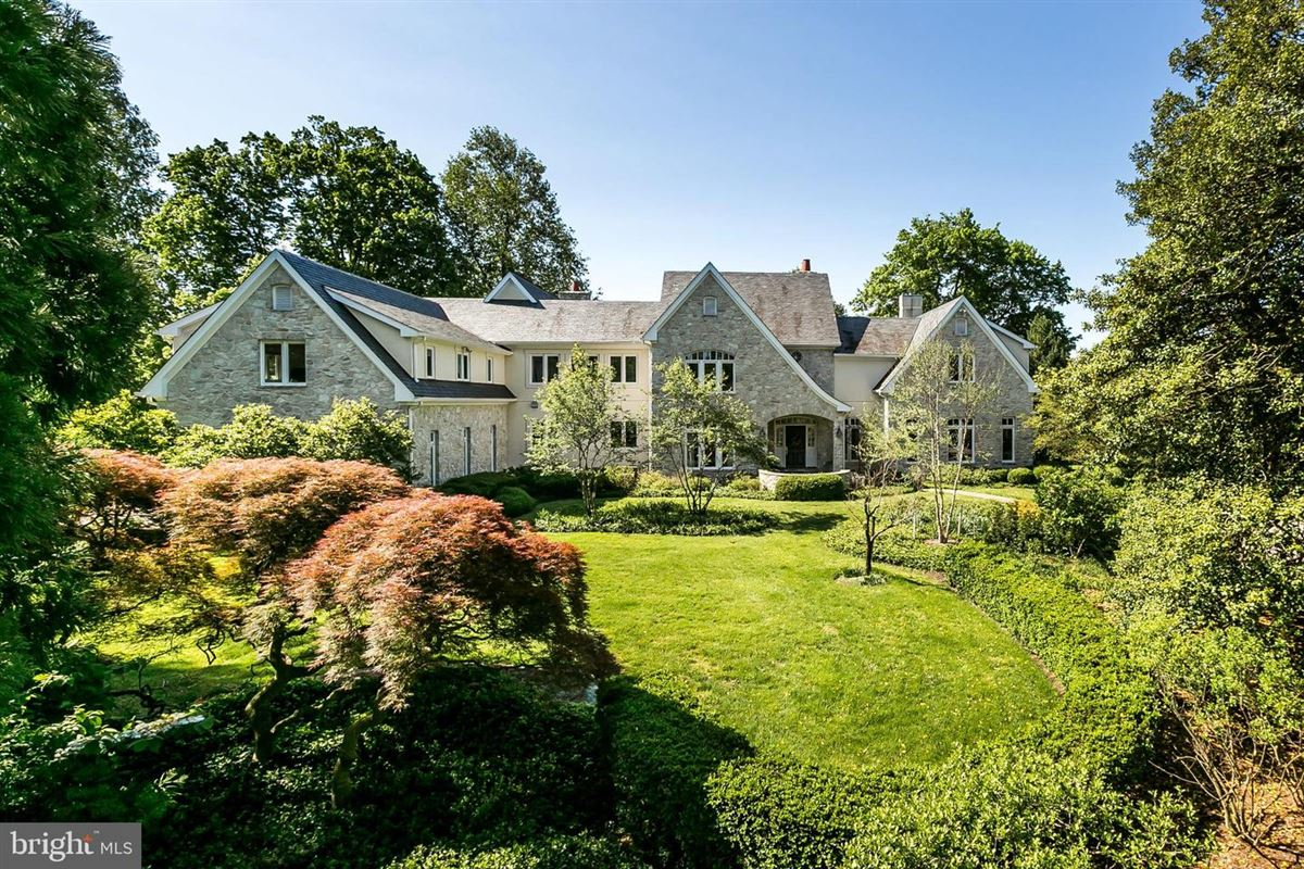 Luxury homes Enormous, magnificent Estate