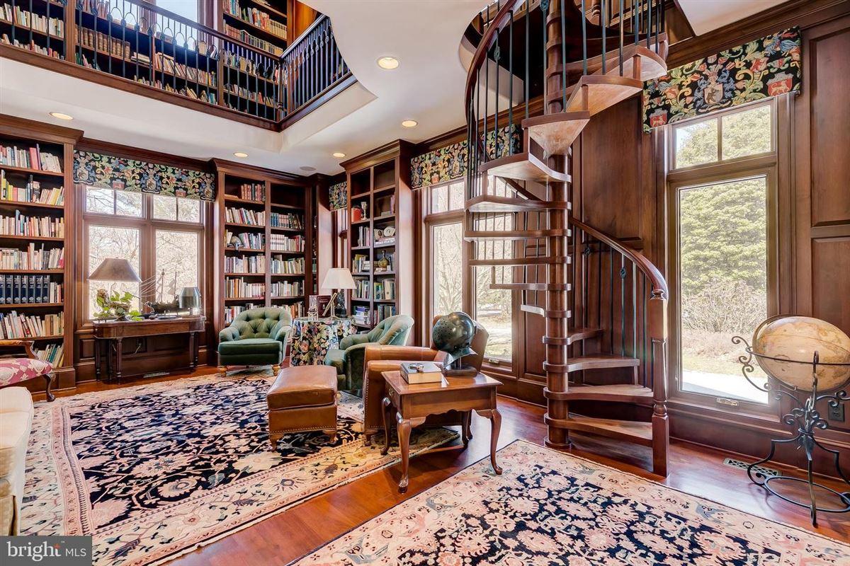 Luxury real estate Enormous, magnificent Estate