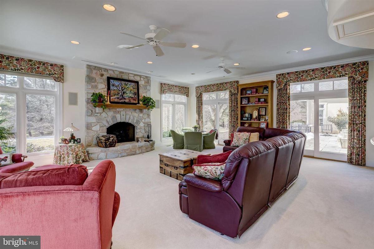 Enormous, magnificent Estate luxury properties