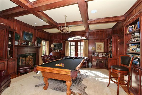 Mansions Exquisite brick estate with guest cottage