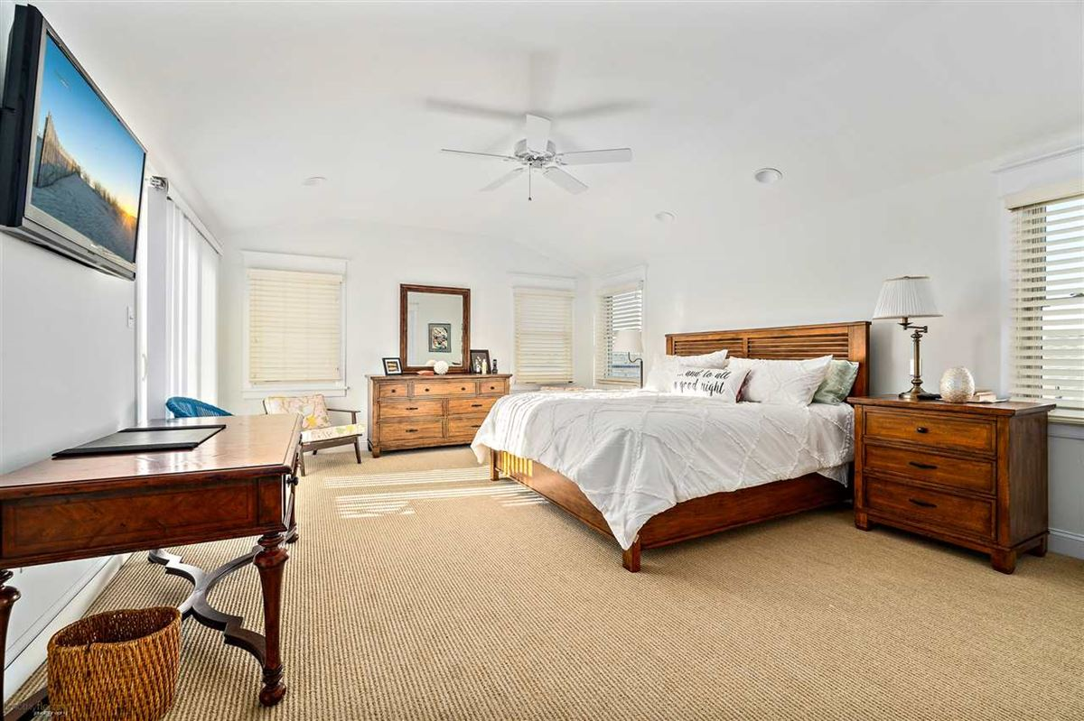 spacious South-end beauty luxury homes