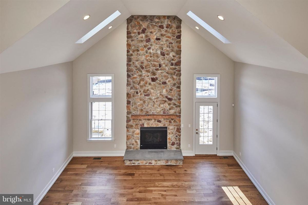 Luxury real estate quality new construction luxury home