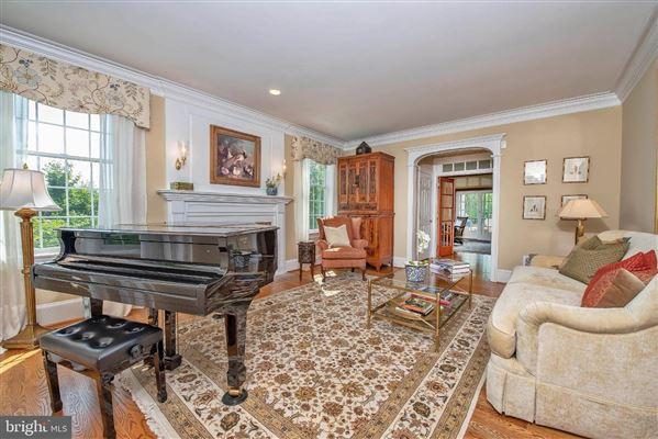 Luxury real estate Wonderful grand-scale home in Newlin Greene