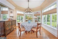 Mansions Wonderful grand-scale home in Newlin Greene
