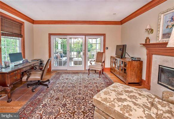 Wonderful grand-scale home in Newlin Greene luxury homes