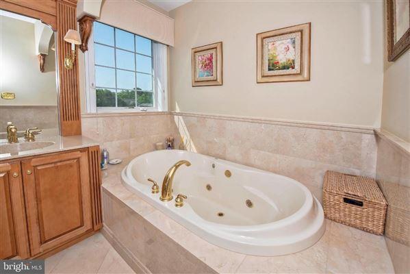 Luxury homes in Wonderful grand-scale home in Newlin Greene