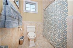 Wonderful grand-scale home in Newlin Greene mansions