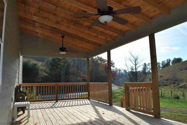 charming bungalow on 420-plus acres luxury real estate