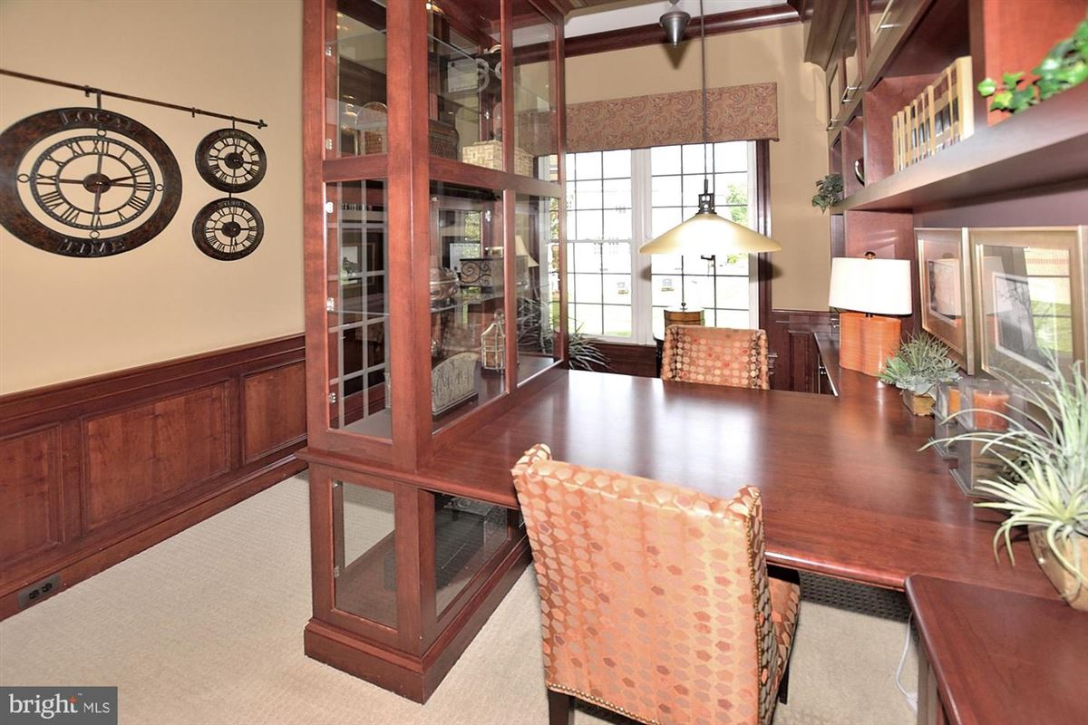 Luxury properties former model with eye-catching details throughout