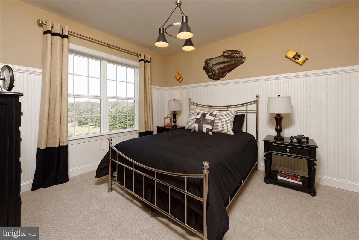 Luxury properties Brand new luxury home