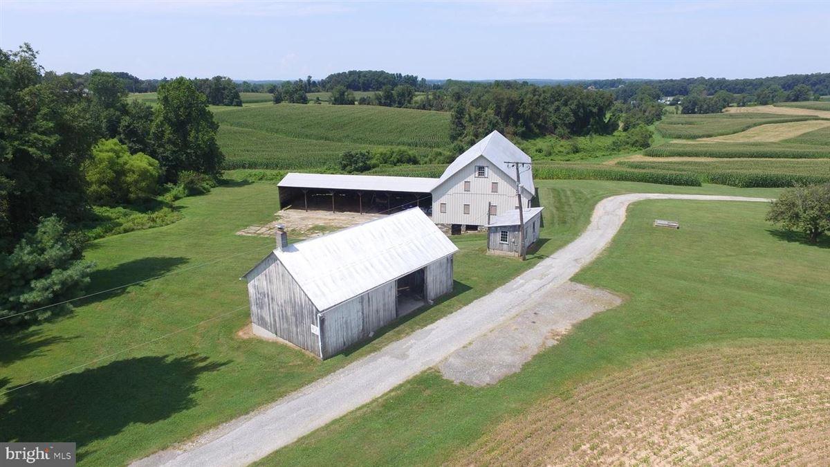 elegant mansion with 144 farm acres luxury real estate