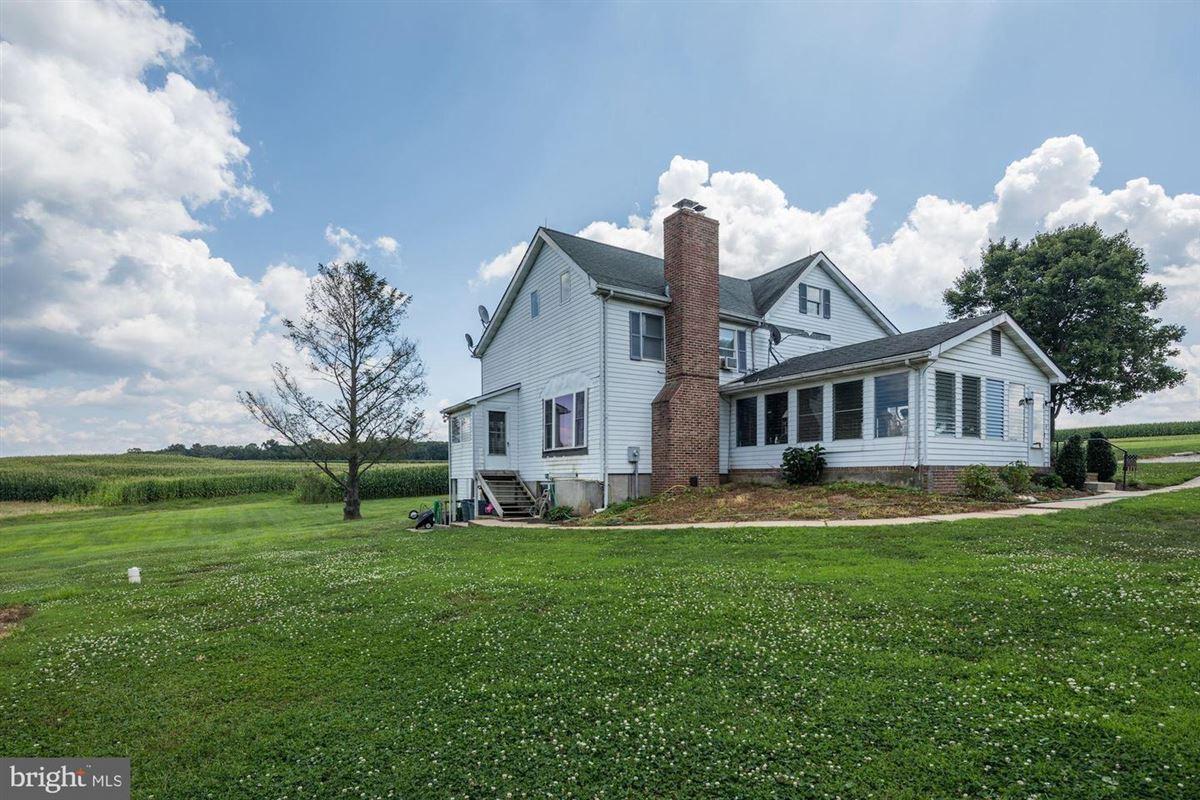 Mansions elegant mansion with 144 farm acres