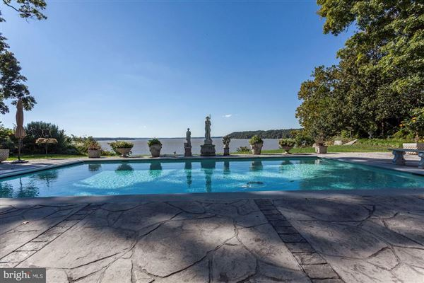 Mansions Luxury waterfront estate offers privacy and views