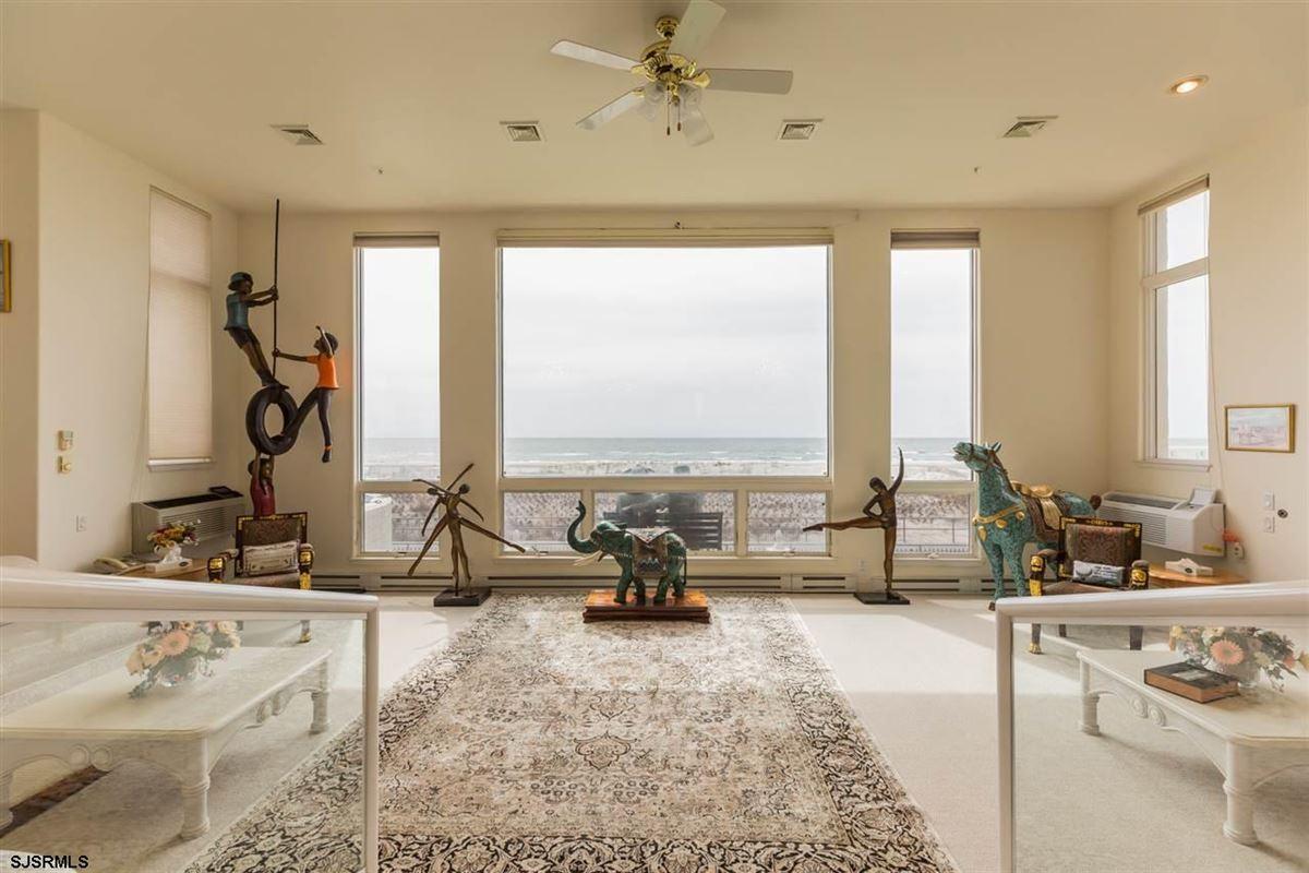Luxury properties Welcome to 4900 Boardwalk