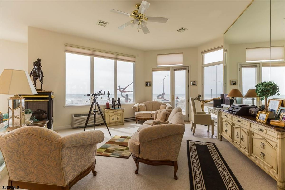 Luxury homes in Welcome to 4900 Boardwalk