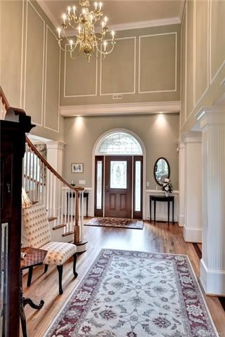 Outstanding golf-front home in Fords Colony luxury homes