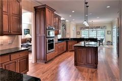 Outstanding golf-front home in Fords Colony luxury real estate