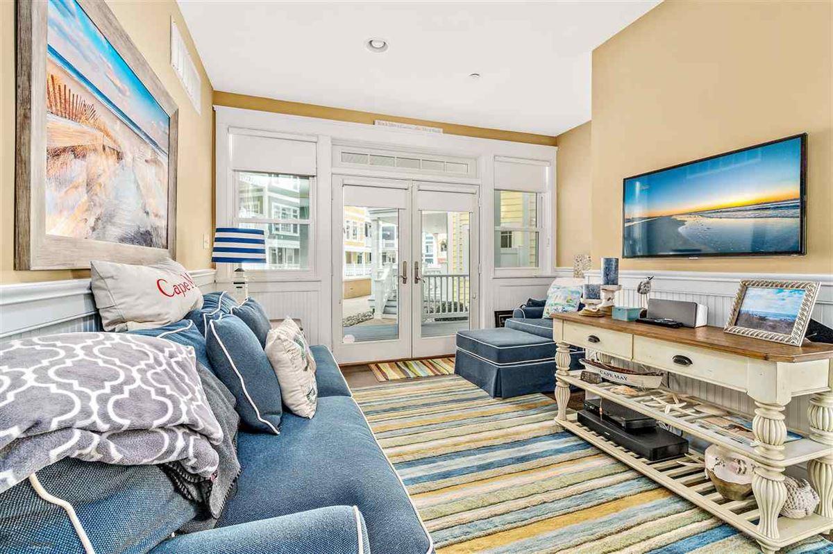 Luxury real estate Breathtaking custom built 4 bedroom
