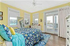 Breathtaking custom built 4 bedroom mansions