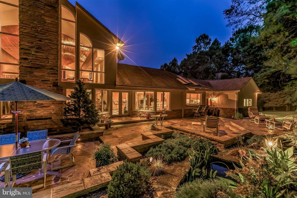 Luxury homes in custom contemporary on 12-plus spectacular acres