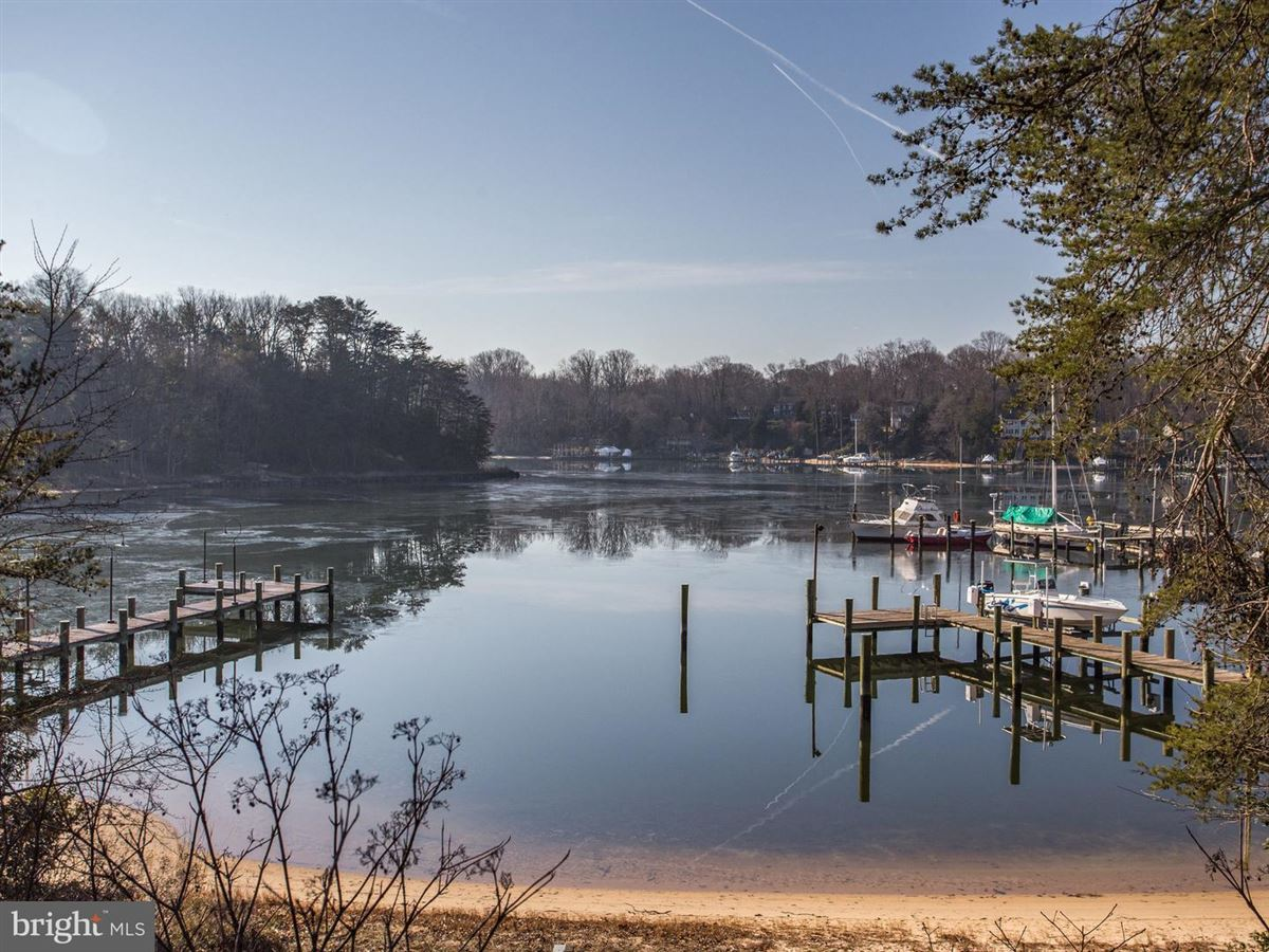 Luxury homes in Exquisite Colonial in Bluff Point on the Severn River