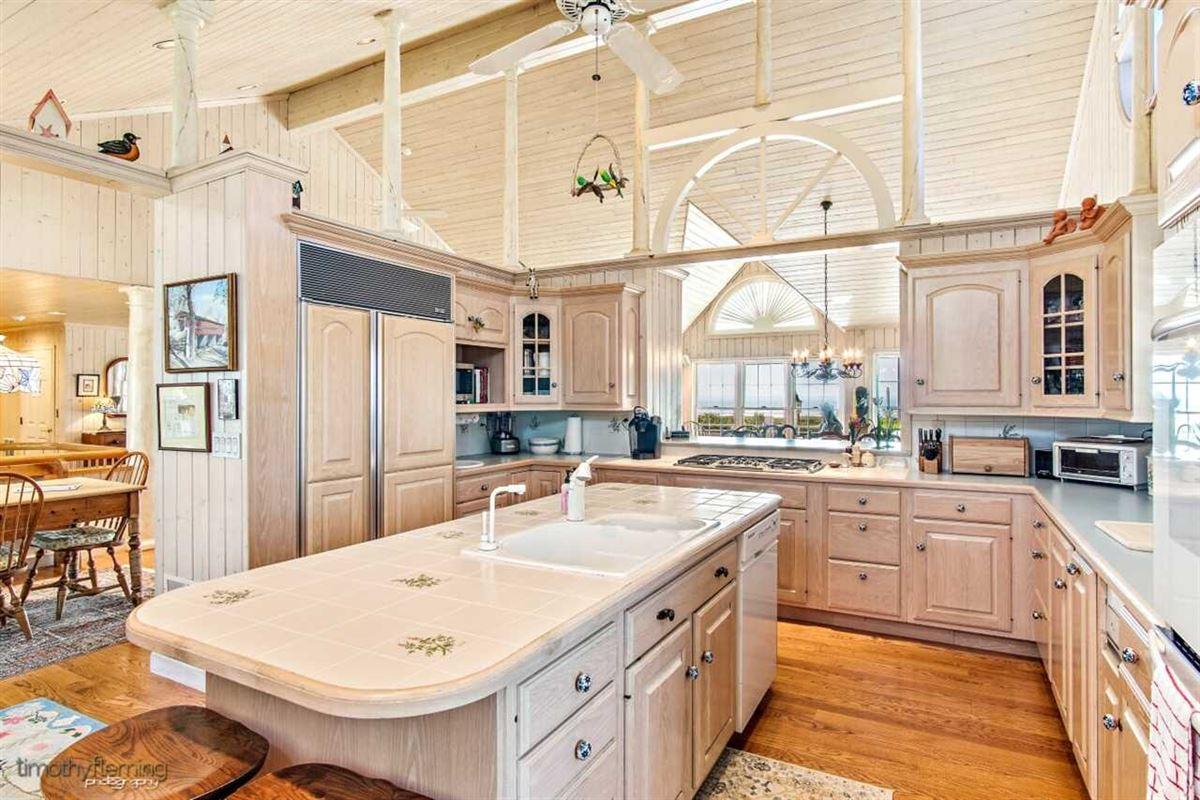 Soaring Heights luxury homes