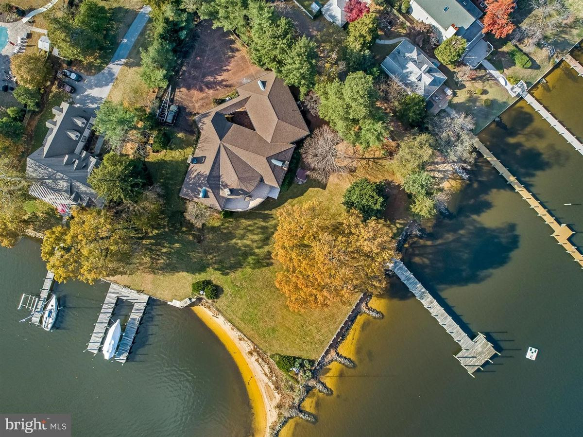 Luxury real estate Stunning waterfront on Breezy Point